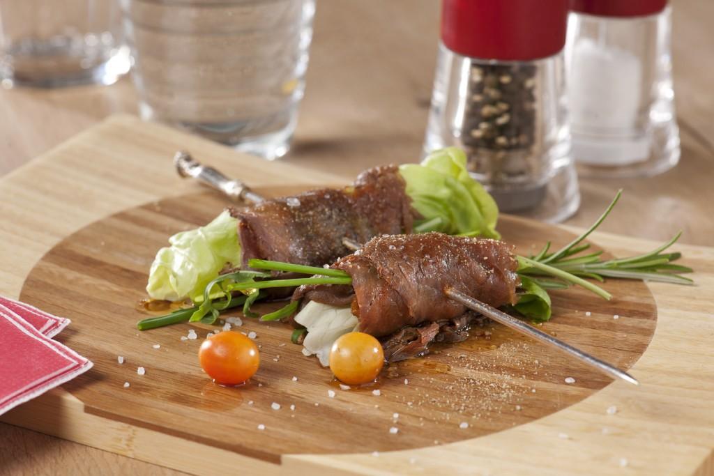 Vleeschwaar Recept - Rosbief en bieslook rolletjes