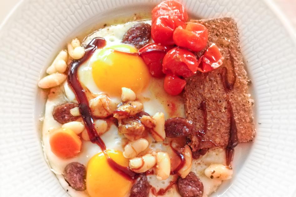 Vleeschwaar-vleeswaren-recept-huevos-rancheros-fries-droge-worst-18