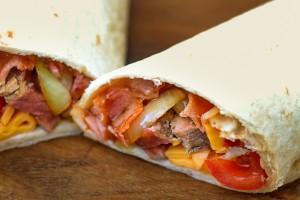 Vleeschwaar-recept-philly-cheese-wrap-rosbief-ontbijtspek-ohmyfoodness-24