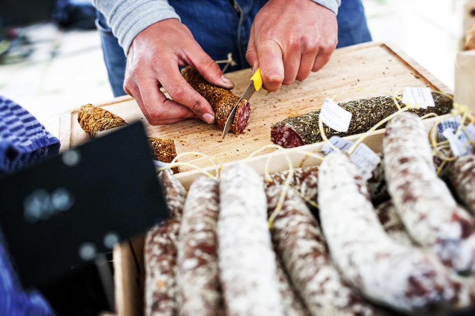 Vleeschwaar Sonsbeekmarkt Arnhem uit food festival markt vleeswaren worst
