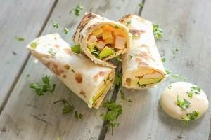Vleeschwaar-vleeswaren-wraps-kipfilet-mango-avocado-Francesca-Kookt-2