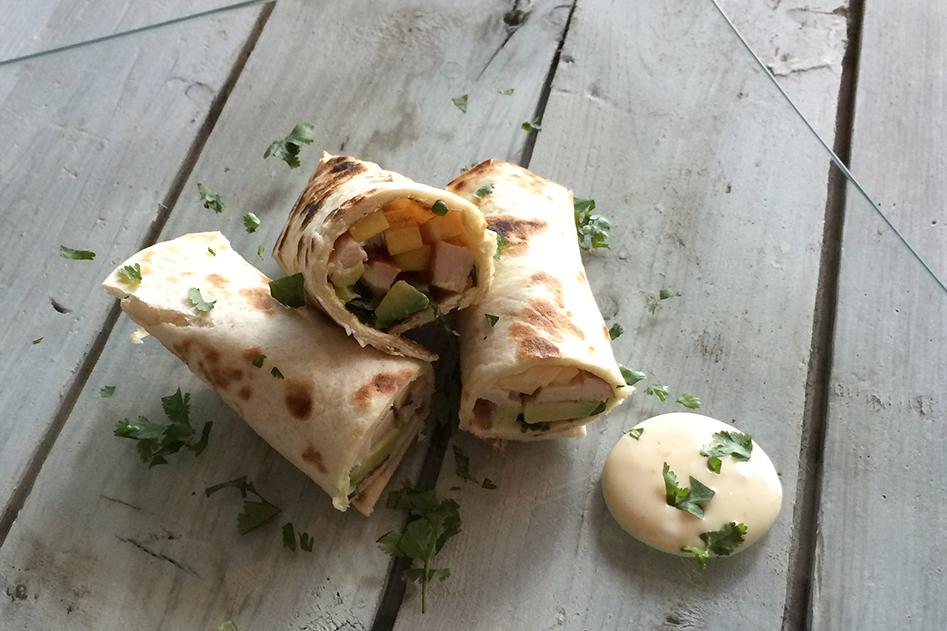 Vleeschwaar vleeswaren wraps kipfilet mango avocado Francesca Kookt