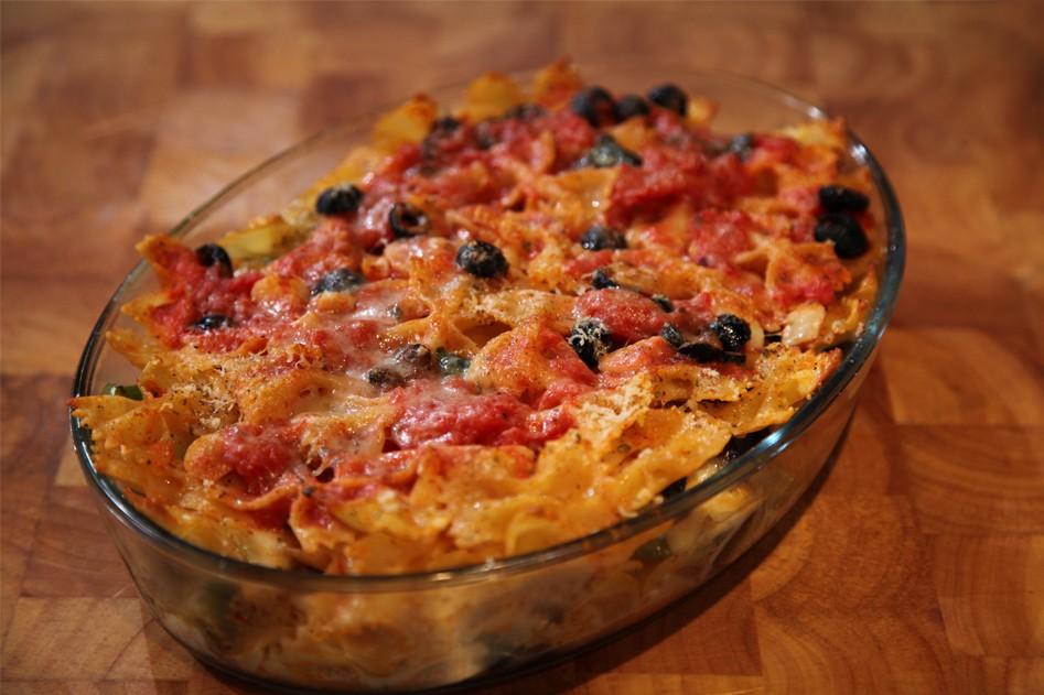 Vleeschwaar vleeswaren recept pasta ovenschotel tuinbonen tuinbonenschotel ontbijtspek 24Kitchen