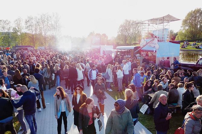 Rollende Keukens Amsterdam : Uit rollende keukens vleeschwaar