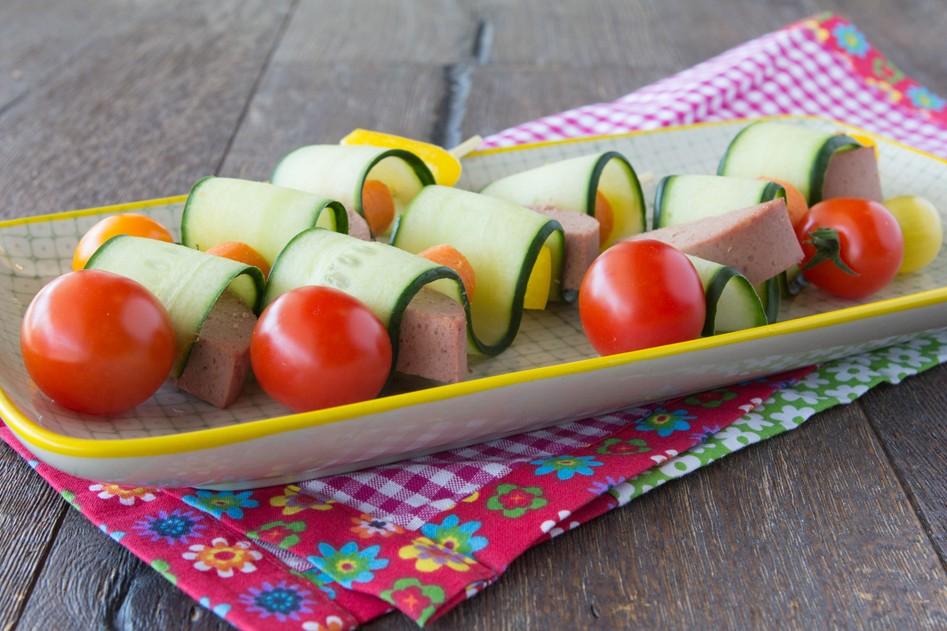 Vleeschwaar vleeswaren leverworst recept komkommer paprika komkommerslangen cherrytomaatjes