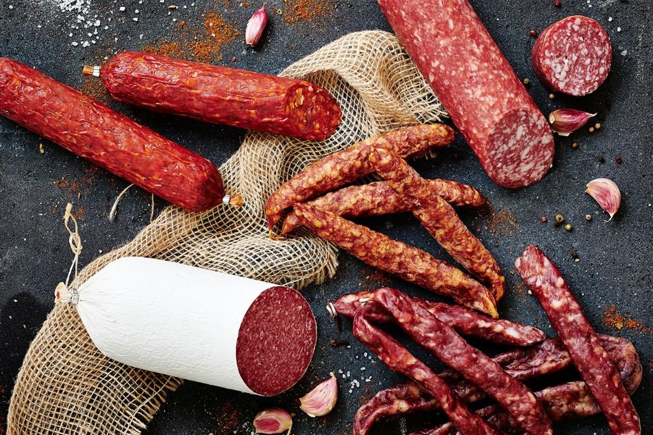 Vleeschwaar vleeswaren verschil tussen salami en cervelaat