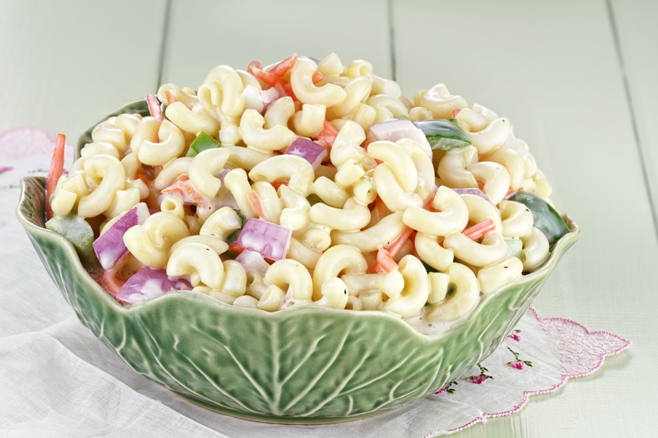 Vleeschwaar recept macaroni salade gekookte worst vleeswaren grillworst