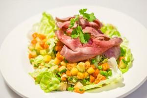 Vleeschwaar-recept-vleeswaren-Indische-vlees-salade-rosbief-16
