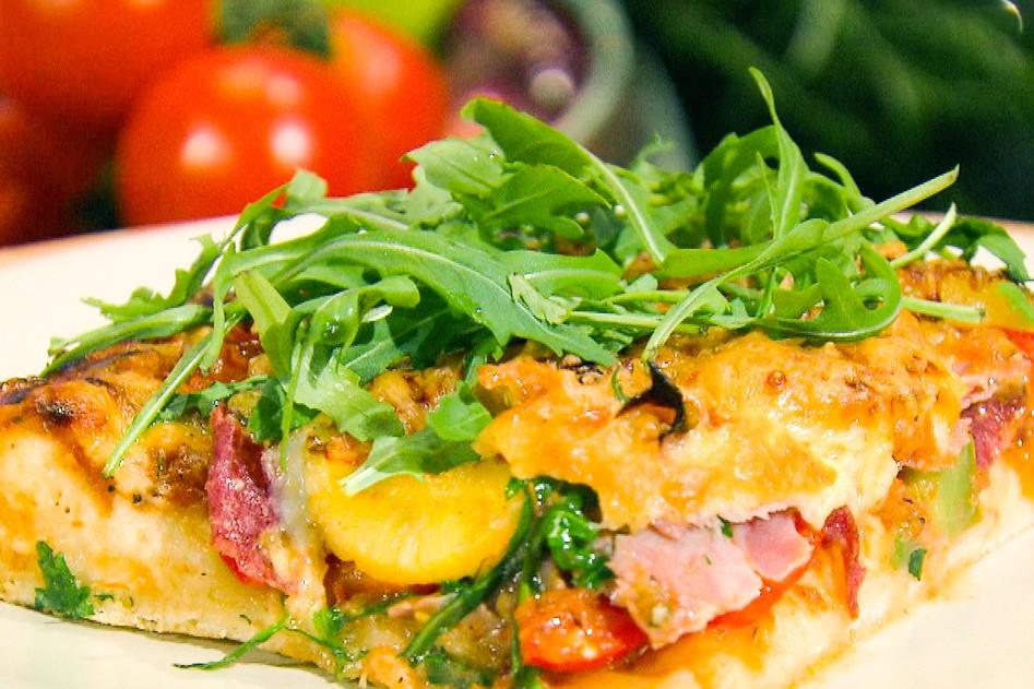 Vleeschwaar-gezonde-pizza-recept-vleeswaren-salami-ham-paprika-14