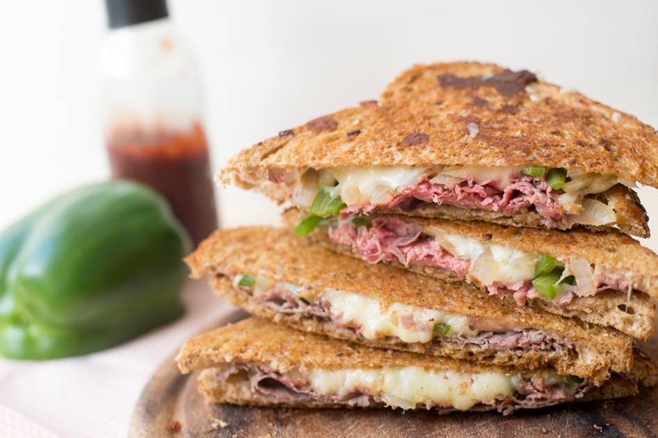 Vleeschwaar philly cheese steak tosti rosbief vleeswaren ohmyfoodness sabine koning recept