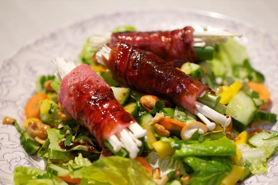 Vleeschwaar salade met rosbief rolletjes vleeswaren recept