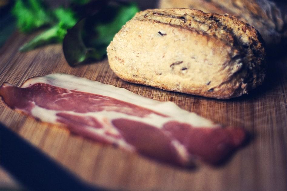 Vleeschwaar recept vleeswaren brood broodje sandwich ham rosbief kipfilet spek worst