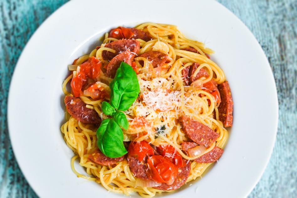 Vleeschwaar-vleeswaren-recept-makkelijke-pasta-met-cervelaatworst-of-chorizo-19