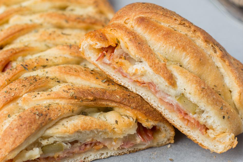 Vleeschwaar vleeswaren recept stromboli met salami