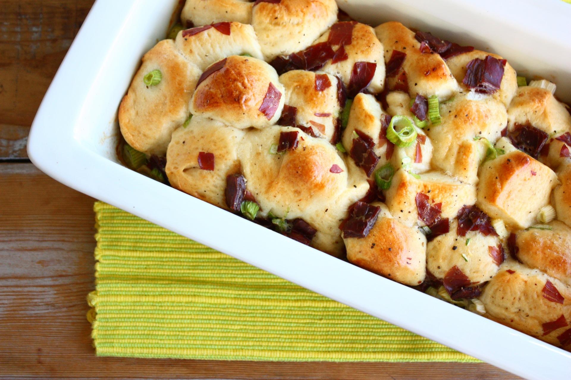 vleeschwaar-brunchbrood-met-lenteui-en-rauwe-ham-francescakookt