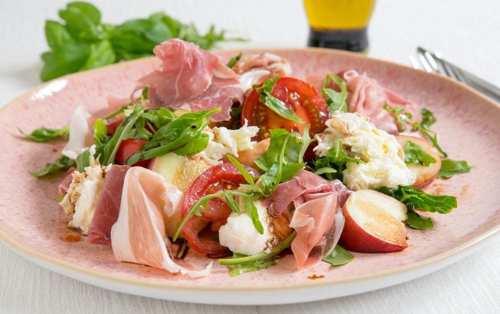 Zonder watermerk - Zomersalade met perzik, mozzarella en parmaham-3019